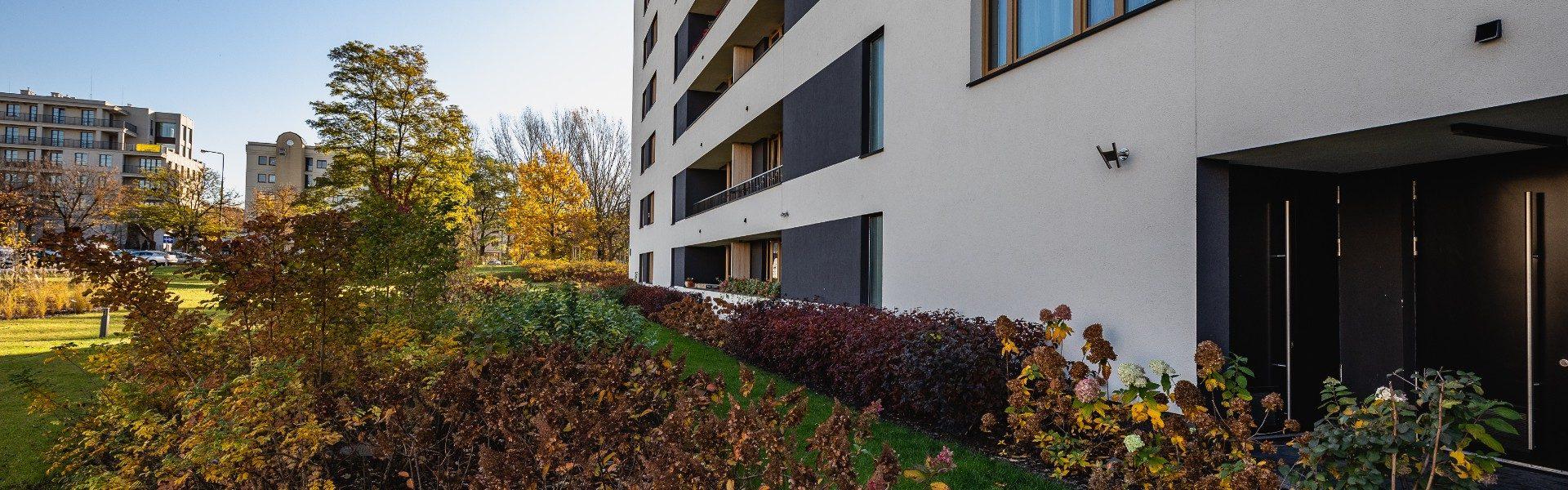 Dobrze zorganizowane osiedle Warszawa - Osiedle Mickiewicza